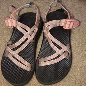 Girls Chaco rose gold size 1 in great shape